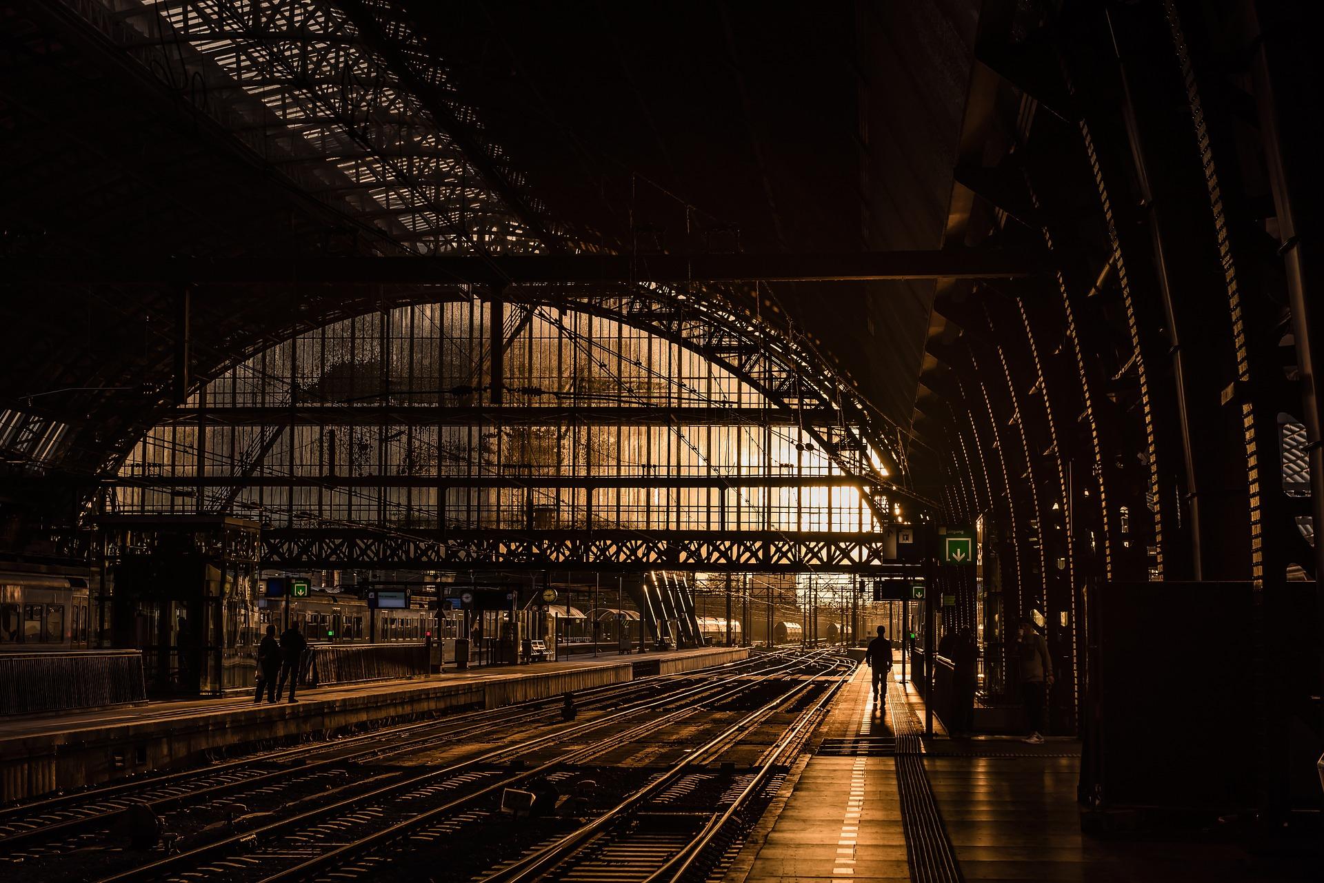 station-839208_1920